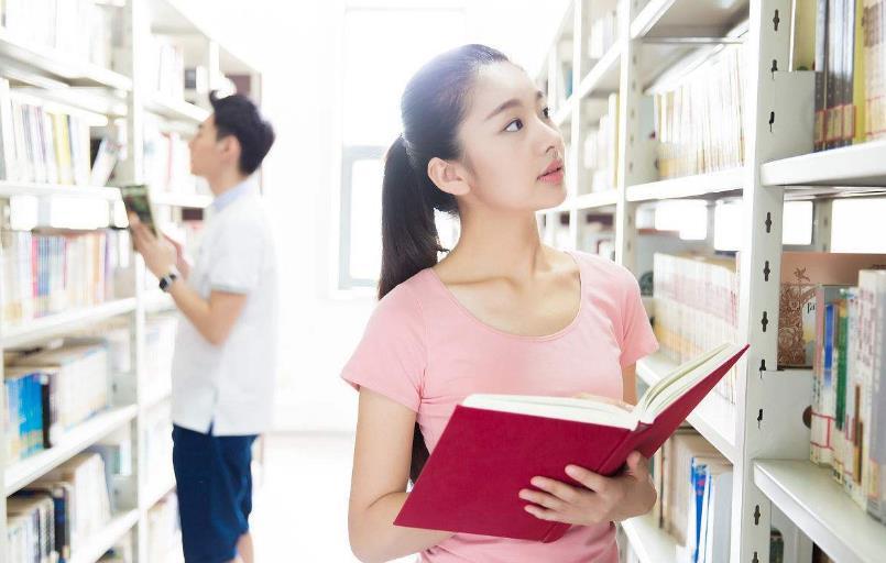 图书馆里的青春故事